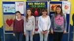 Wyróżnione uczennice z klas VI: Oliwia Nadolska, Iga Grzybek, Zuzanna Fidurska i Weronika Grabowska