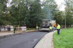 Wąbrzeźno. Na ul. Legionistów wylewają pierwszą warstwę asfaltu - 8.10.2020 r. 3