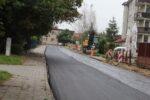 Wąbrzeźno. Na ul. Legionistów wylewają pierwszą warstwę asfaltu - 8.10.2020 r. 5