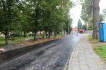 Wąbrzeźno. Na ul. Legionistów wylewają pierwszą warstwę asfaltu - 8.10.2020 r. 6